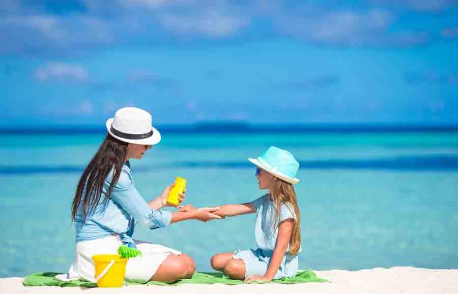 آیا کرم ضد آفتاب رنگی مضر است؟؟
